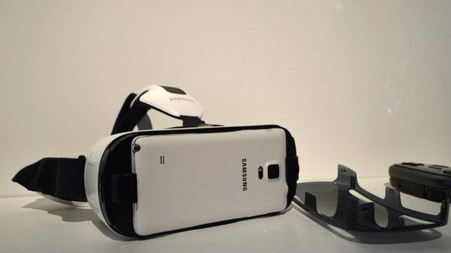 เอาล่ะสิ Samsung Galaxy S6 และ S Edge ใช้งานกับ Gear VR ได้
