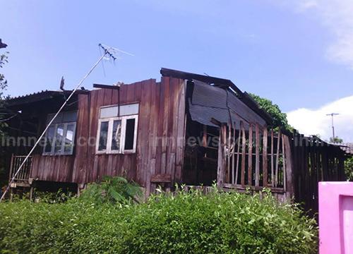 พายุฝนกระหน่ำอำเภอแม่แตง ไฟฟ้าดับ บ้านเเสียหาย